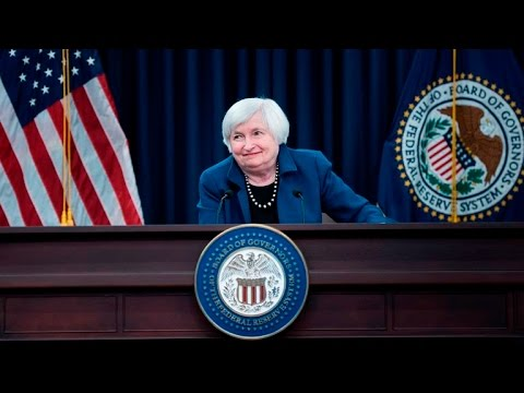 Federal Reserve talks up economy, and other MoneyWatch headlines