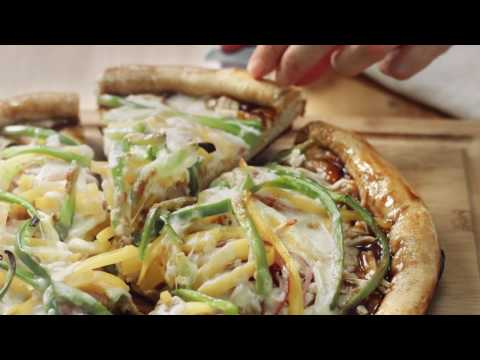 Making Mayo's Recipes: Caramelized Onion Chicken Pizza