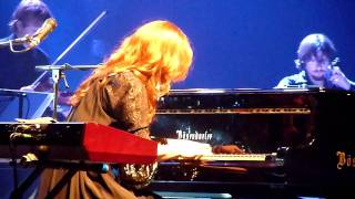 Watch Tori Amos Star Whisperer video