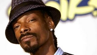 Snoop Dogg Ignores Tupac Hologram Tour Questioning