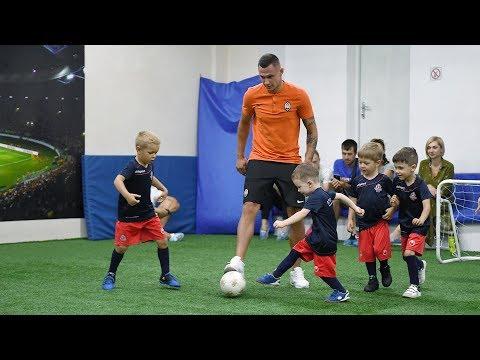 Oleksandr Zubkov trained kids in Kharkiv