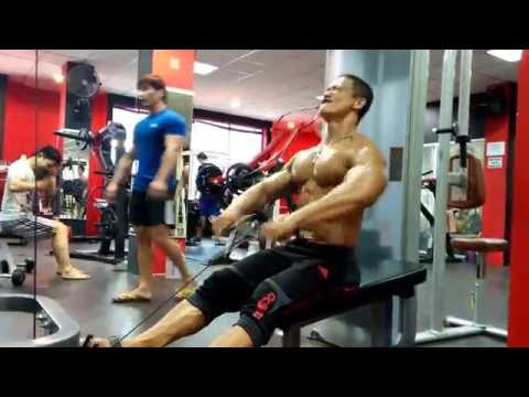 Latihan Otot Punggung Di Yakuza Gym Fitness Club Jakarta HERY YAKUZA