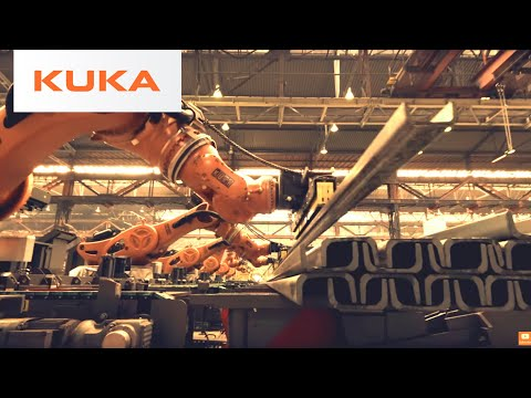 Heavy Duty KUKA Titan Robot Stacking Steel Beams