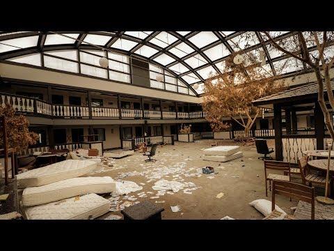 Exploring Huge Abandoned Hotel W/ Indoor Pool, Restaurant And Bar