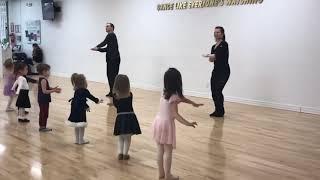 �������� ���� Kids Ballroom and Latin Dance Classes (3-4 years old) at DC DanceSport Academy ������