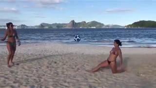 видео бразильские девушки на диком пляже