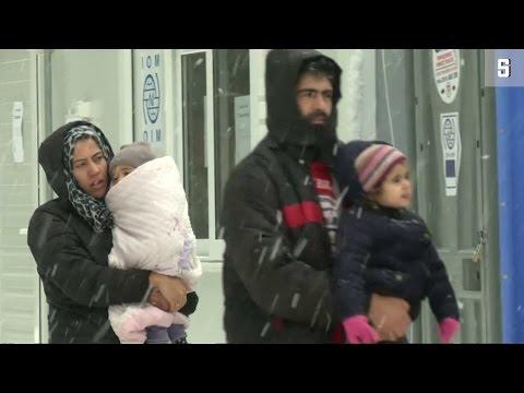 Flüchtlinge auf Lesbos: Sommerzelte im Schnee
