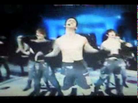 2pm ripped their shirt on 2010 Mnet Music Award