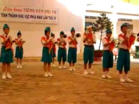 Tiếng về Hà Nội (Đội trống kèn ntn Gia Lai)