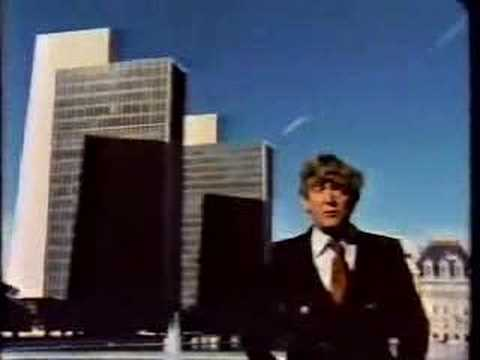 Australian Man Walks Around Dissing the Empire State Plaza