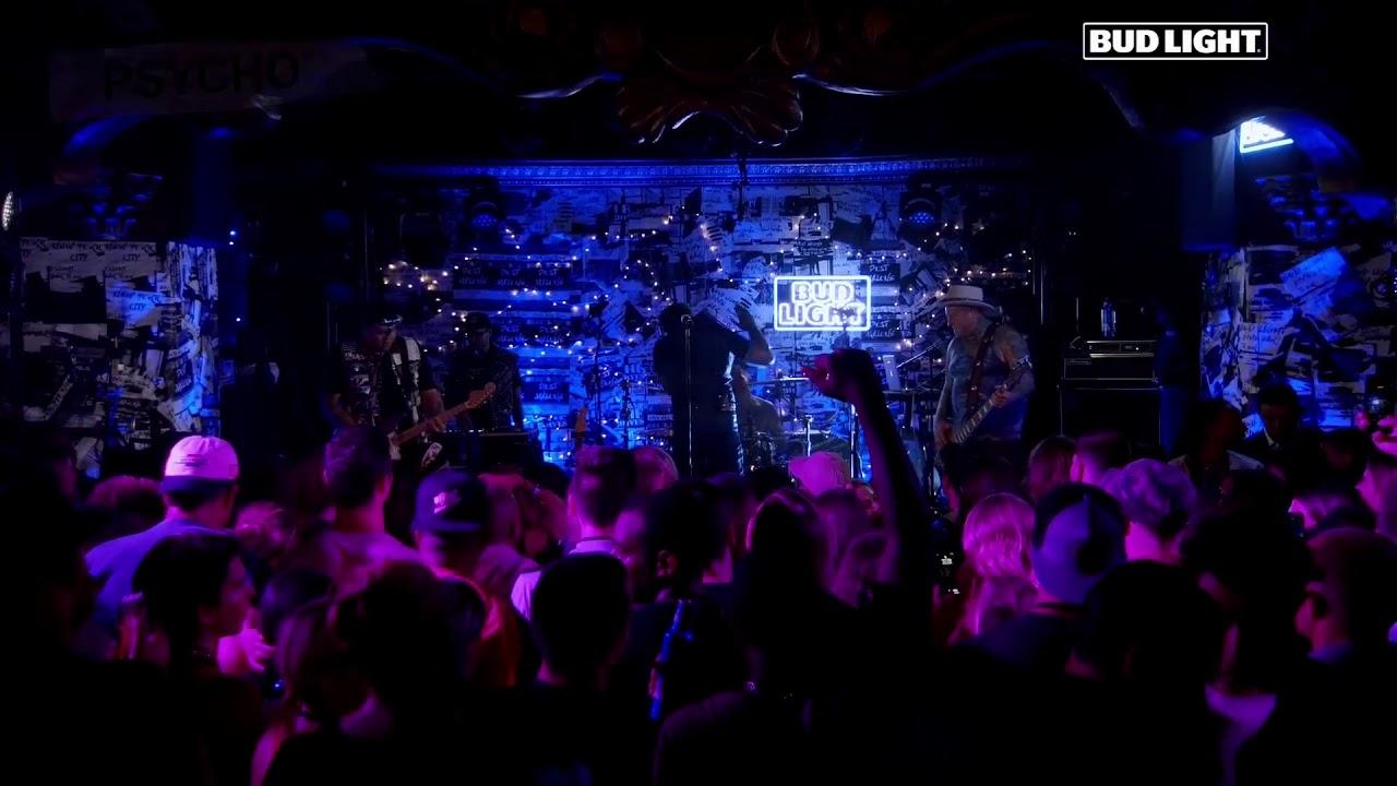 Post Malone - Psycho (Bud Light Dive Bar Tour) (Live)