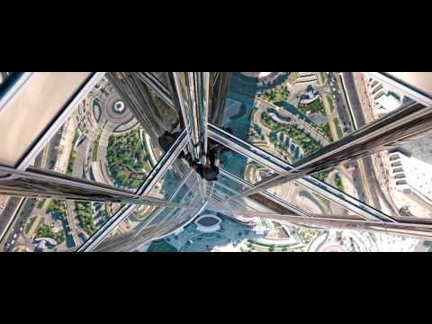 Tom Cruise in Mission: Impossible – Ghost Protocol - Dubai Burj Khalifa scene