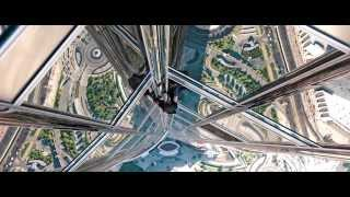 Tom Cruise in Mission: Impossible -- Ghost Protocol - Dubai Burj Khalifa scene