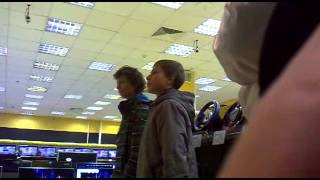 каратисты играют в Xbox 360(, 2012-10-26T12:21:44.000Z)