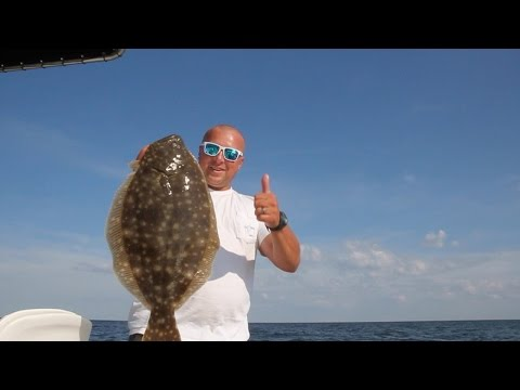 Crushing Flounder on the Delaware Bay!!!!!