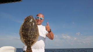 Crushing Flounder on the Delaware Bay!!!!!