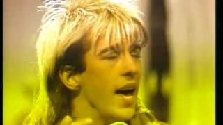 Kajagoogoo - Hang on now 1983 No sooner than I turn my back and the...