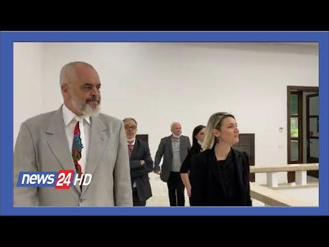 Rama tek Akademia e Arteve:  Godine e bukur, monument kulture @News24 Albania