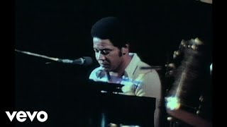 Bill Withers - Lean On Me (Live in Chicago, 1972)