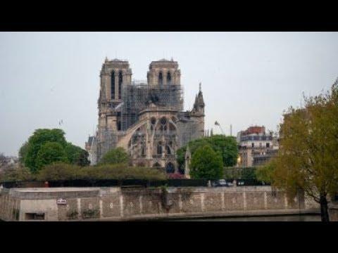 كنائس فرنسا تدق أجراسها من أجل كاتدرائية نوتردام