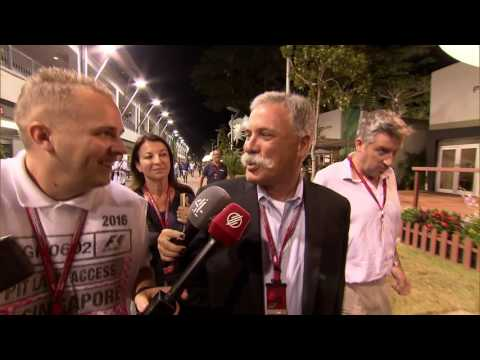 Bernie Ecclestone getting overrun by reporters doing crappy interviews