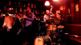 "Antonio González, Baritone Sax - ""Jeannine"" (Donald Byrd Pepper Adams Homage) live, Feb. 2013"