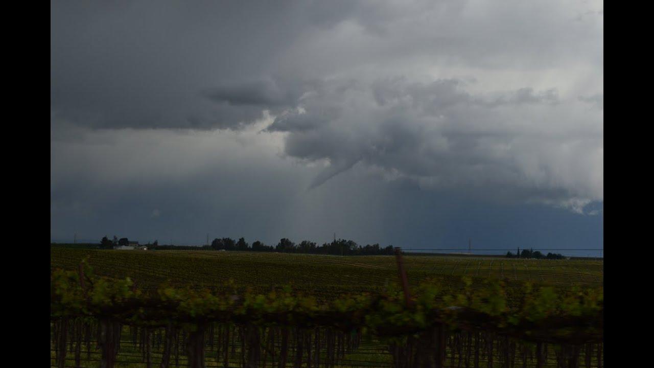 amazing tornado in modesto  california  4  7  15   orignal