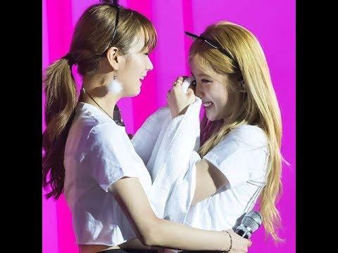 Chorong and Bomi (CHOMI)- Cute Moments