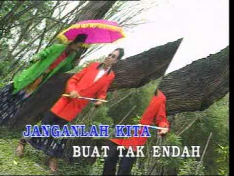 M. Shariff & The Zurah - Boria Hari Raya [Official Music Video]