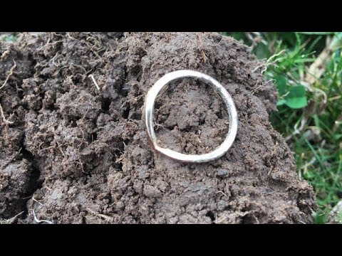 How To Find Gold And Silver Minelab CTX 3030 Hunting Coins And Relics Metal Detecting