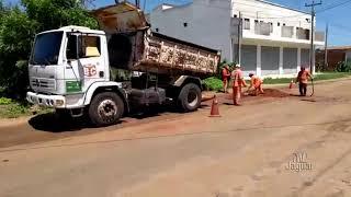 Operação tapa buracos está sendo executada na CE que liga Limoeiro do Norte ao Distrito de Flores em Russas
