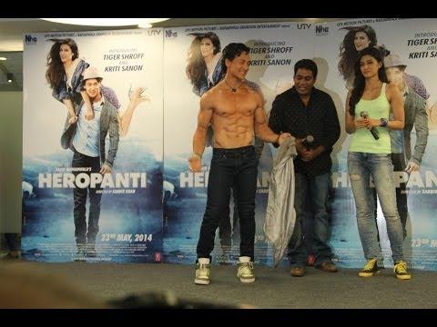 Tiger Shroff with Kriti Sanon Promote Heropanti on World Dance Day