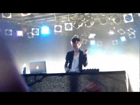 """Madeon """"The City/Dirty Talk/Prime Time Of Your Life"""" Live Roxy Theatre Hollywood 4/17/12 1080 HD"""