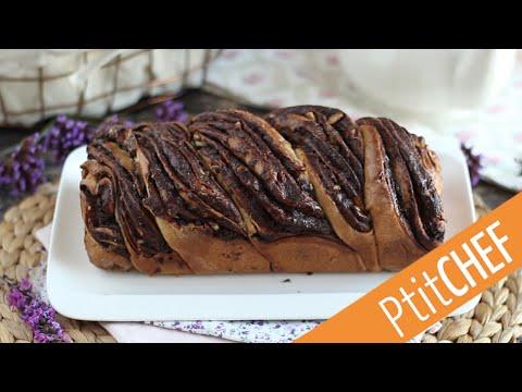 une-brioche-babka-extra-moelleuse-et-généreusement-garnie-de-chocolat