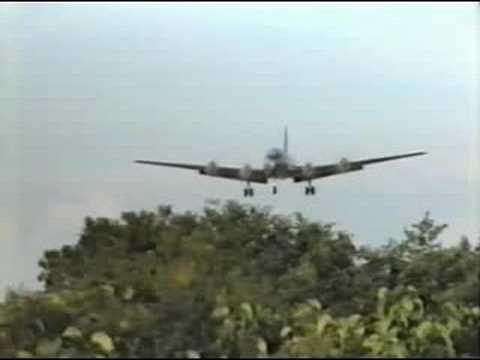 Douglas C-54 Skymaster LOW Landing THF Tempelhof 1998