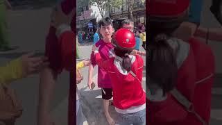 Người yêu và em trai nạn nhân gào khóc cạn cả nước mắt vụ xe ben gây tai nạn tại Điện Biên Phủ