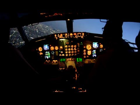 HD INCREDIBLE VIEW FROM COCKPIT AT MEXICO CITY