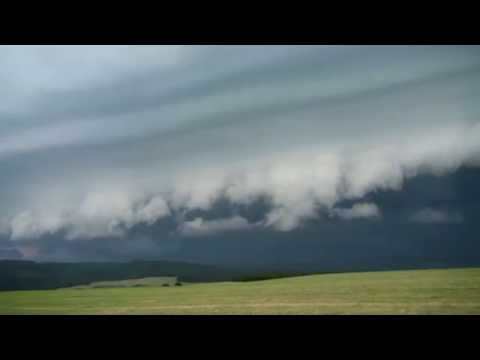 Shelf cloud na čele MCS 14.6.2015 Kozlov ( time lapse )