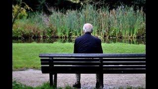 Пока я сидел и обедал на скамейке в парке, старик мне поведал свою историю. А ведь правда!