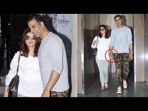 Sweet Akshay Kumar Holding Hand Of Wife Twinkle Khanna In Public