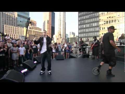 Eminem ft. Jay Z - Renegade (Live on Letterman) [HD 1080p]