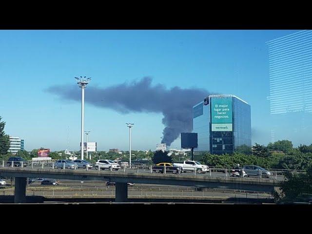 incendio en una fábrica en #VicenteLópez #Munro