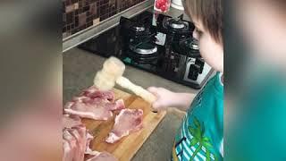 Рецепты от Вани. Поваренок Ваня. Мясо по-французски с черносливом.