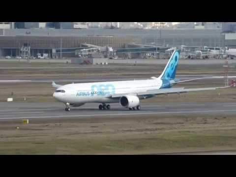A330-900 NEO soft landing at toulouse Airport (F-WTTE/AIB13TE)