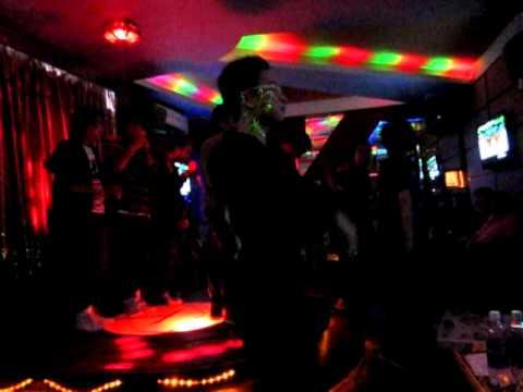 RMIT DANCE CLUB HA NOI(KARAOKE PARTY with AUSTRALIA EMBASSY).AVI