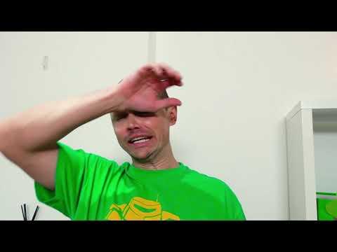 Макс и Катя учат папу не есть сладостей
