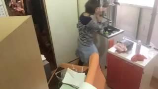 ライフオーガナイザーが行う 片付け、掃除作業風景.