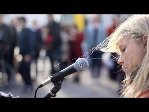 Alice Phoebe Lou - King of the Bongo - Manu Chao (Cover)