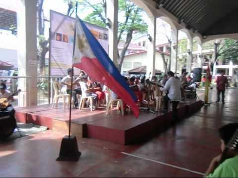Santo Nino Elementary School Rondalla at Cuerdas sa Pagbabago Festival.wmv