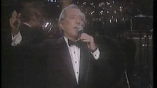 "Andy Williams & Henry Mancini  ""Moon River"", ""The Days of Wine and Roses"" live 1987"